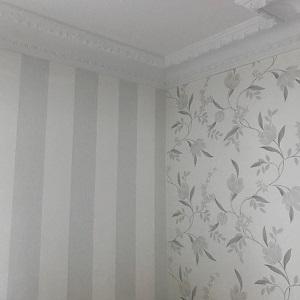 papier peint mat avec pose d'une frise à hauteur de fenêtre
