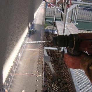 Pose rail de départ pour une isolation thermique par l'extèrieure